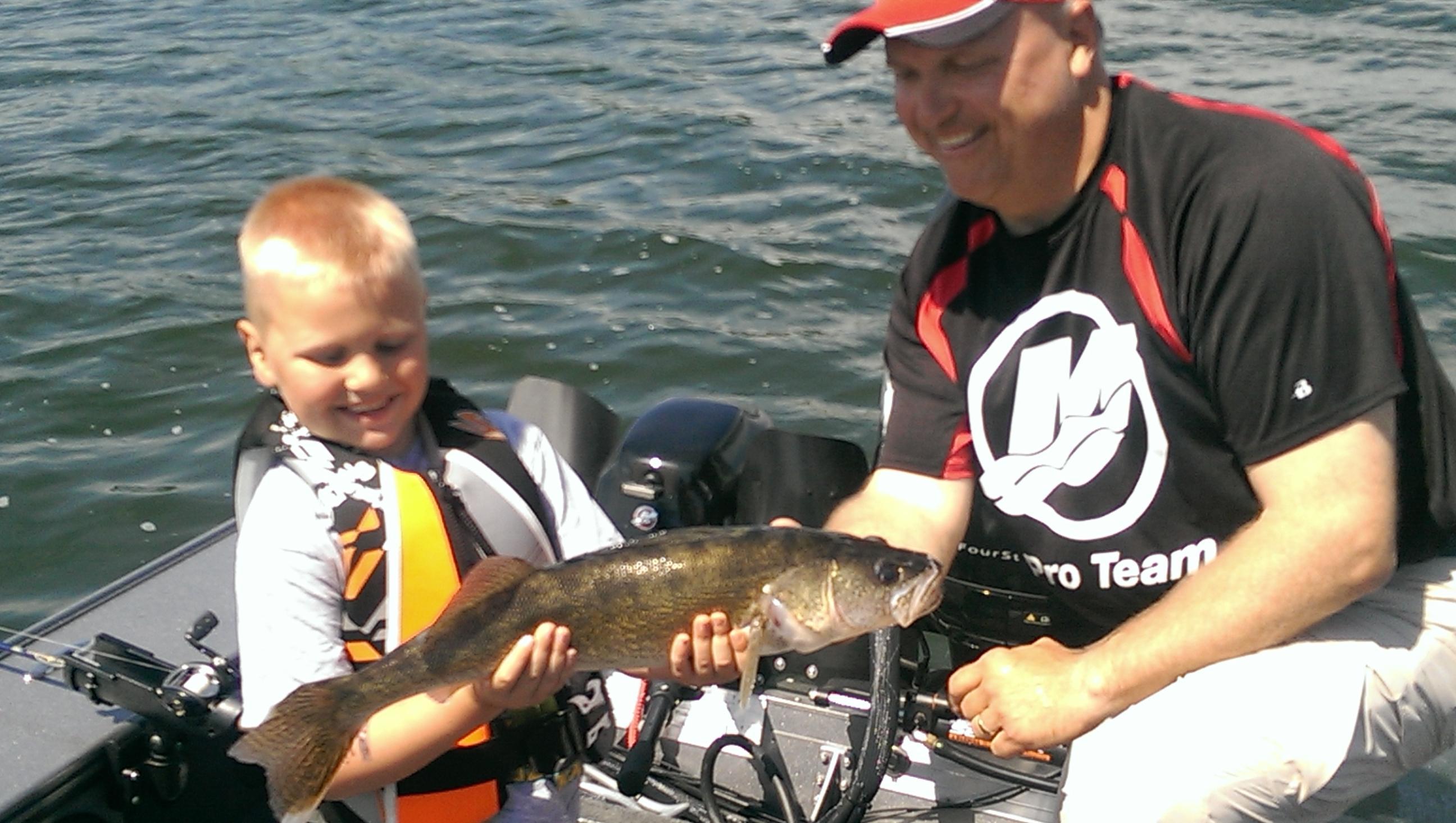 Hutchinson area fishing guide for Lake waconia fishing report